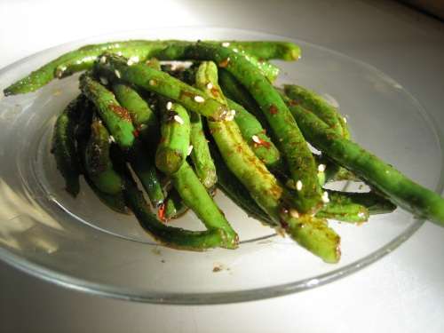 spicy sesame green beans serving