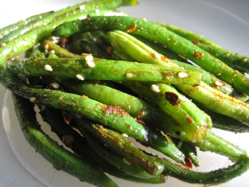 spicy sesame green beans close up