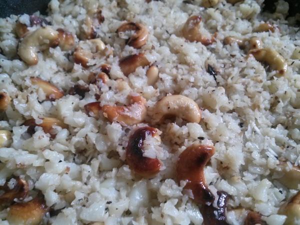 cashew cauliflower rice